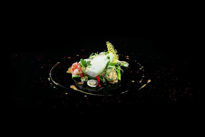 Alain Dutourniercó biệt tài biến những nguyên liệu bình thường có sẵn trong tự nhiên trở thành những món ăn vô cùng đặc sắc. Nguồn: phunuvietnam.vn