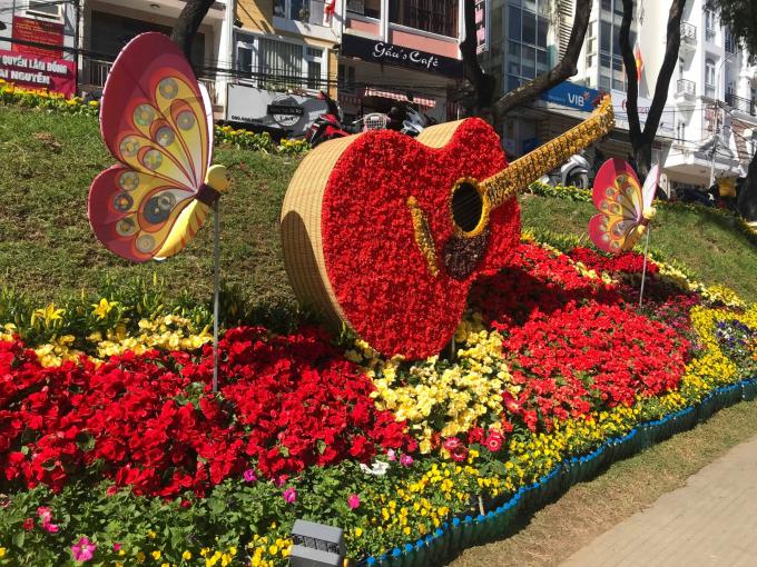 Hàng trăm loài hoa cùng khoe sắc trong cái nắng lạnh của mùa đông cao nguyên. Nguồn: thoidai.com.vn