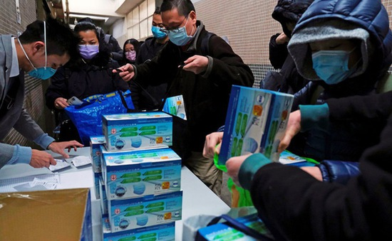 Tích trữ khẩu trang sẽ khiến những nhân viên y tế thiếu vật tư dùng. Nguồn: vtv.vn