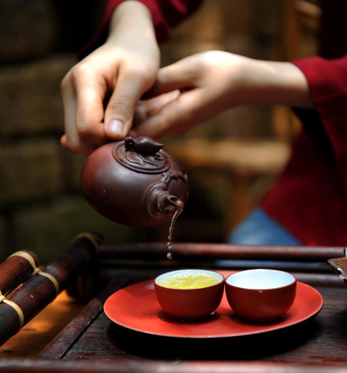 Trà sen trở thành một tinh thần đặc trưng của văn hóa trà Việt Nam, mang trong đó nhiều triết lý, lịch sự và lòng kính trọng.