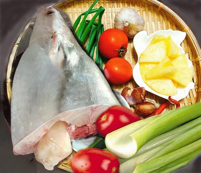 Để nấu món canh chua, nên lựa chọn phần đầu và đuôi cá.