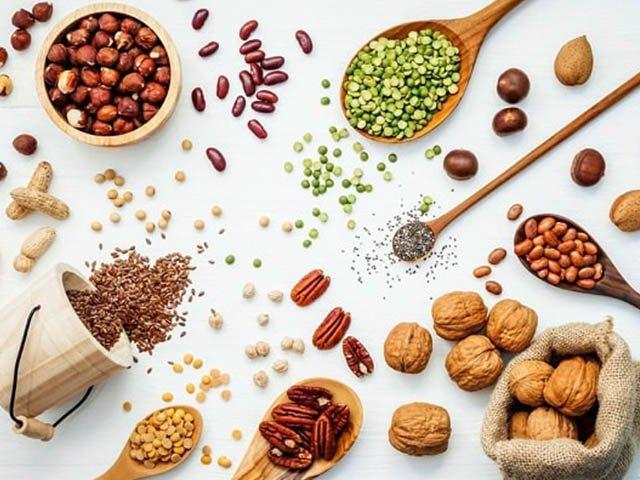 Bằng việc sử dụng ngũ cốc nguyên hạt và bạn sẽ không còn phải vật lộn với các buổi ăn vặt trong ngày và những cơn đói bất chợt. Nguồn: tin247.com