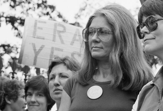 Nhà văn và nhà hoạt động chính trị xã hội Gloria Steinem đã trở thành một trong những cây bút tiêu biểu ở Mỹ trong những năm 1960 -1970. Nguồn:britannica.com