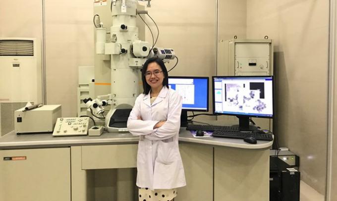 TS Hà Phương Thư là một trong những người đầu tiên đặt nền móng cho lĩnh vực nghiên cứu Nano trong y sinh học.