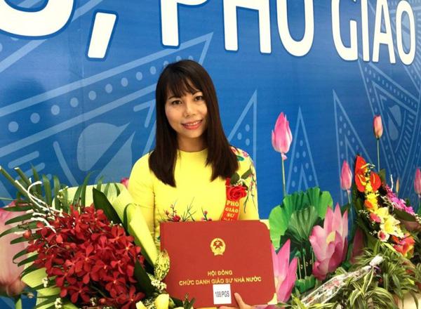 PGS.TS Lê Minh Hà hiện là Trưởng phòng Hóa Dược tại Viện Hóa Học các hợp chất thiên nhiên(Viện Hàn lâm Khoa học và Công nghệ Việt Nam)