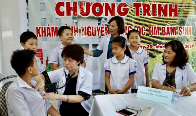 PGS.TS Trương Thanh Hương khám thiện nguyện phát hiện tim bẩm sinh tại Yên Bái