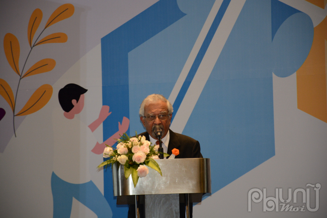 """Ông Kamal Malhotra - Điều phối viên thường trú của Liên Hợp Quốc tại Việt Nam phát biểu khai mạc Diễn đànquốc gia """"Nam giới tham gia thúc đẩy bình đẳng giới và xoá bỏ bạo giới""""."""