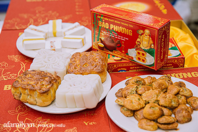 Bánh trung thu Bảo Phương được xem là một trong những tiệm bánh cổ truyền, lâu đời nhất Hà Nội. Ảnh: afamily.vn