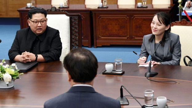 Kim Yo Jong luôn có mặt bên cạnh anh trai, nhà lãnh đạo Kim Jong-un trong các cuộc gặp thượng đỉnh với Mỹ và Hàn Quốc trong vai trò cố vấn.