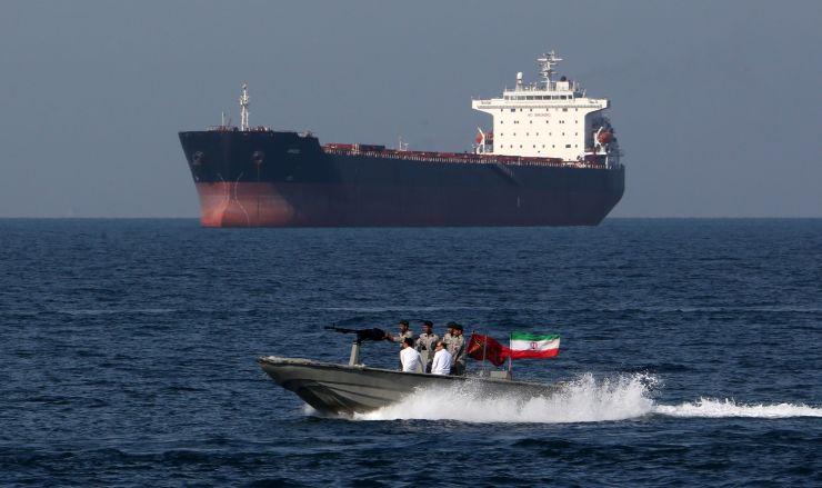 Iran tuyên bố bắt giữ tàu chở dầu của Anh tại eo biển Hormuz