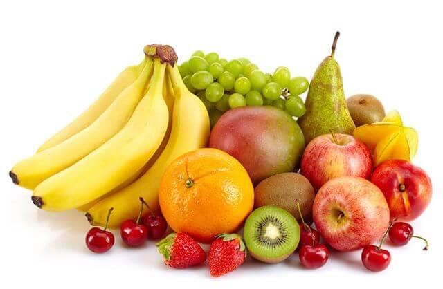 Bà bàu ăn trái cây giàu chất xơ giúp phòng ngừa táo bón và bệnh trĩ.
