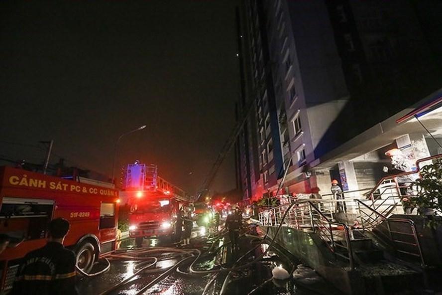 Nơi nào, địa phương nào để xảy ra cháy lớn, gây thiệt hại nghiêm trọng về người và tài sản thì thủ trưởng đơn vị, địa phương đó chịu trách nhiệm.