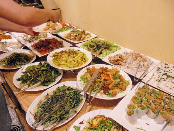 Các món ăn phong phú và đa dạng.