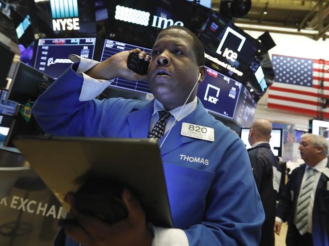 Thị trường chứng khoán thế giới lao dốc vì chiến tranh thương mại Mỹ -Trung.