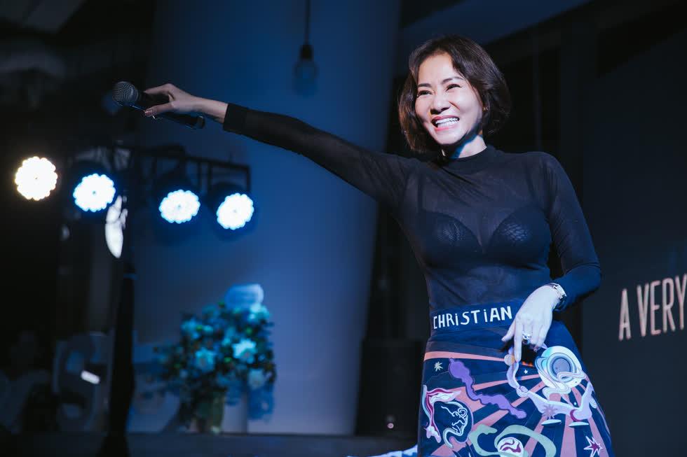 Ca sĩ Thu Minh trong đêm nhạc