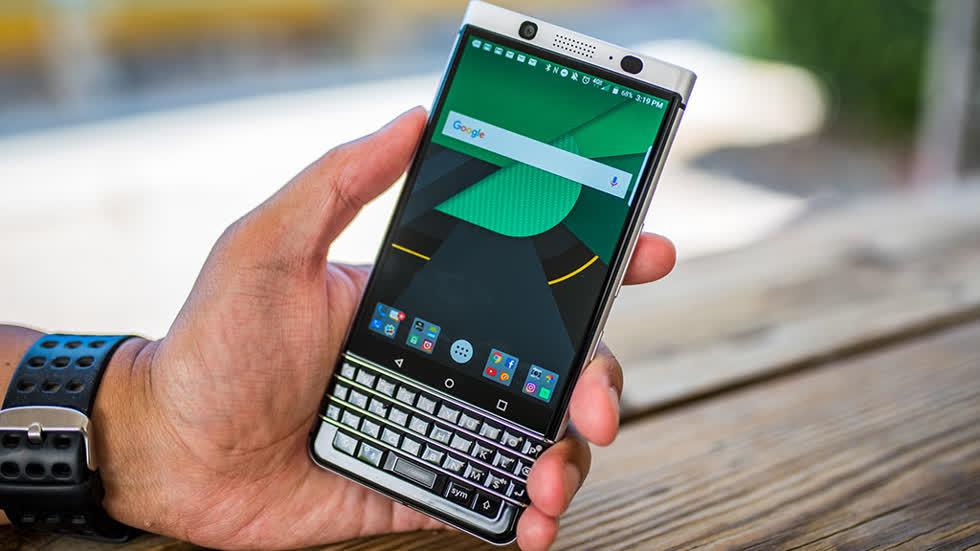 TCL nói công nghệ 5G phù hợp với TV và tủ hơn là smartphone Blackberry