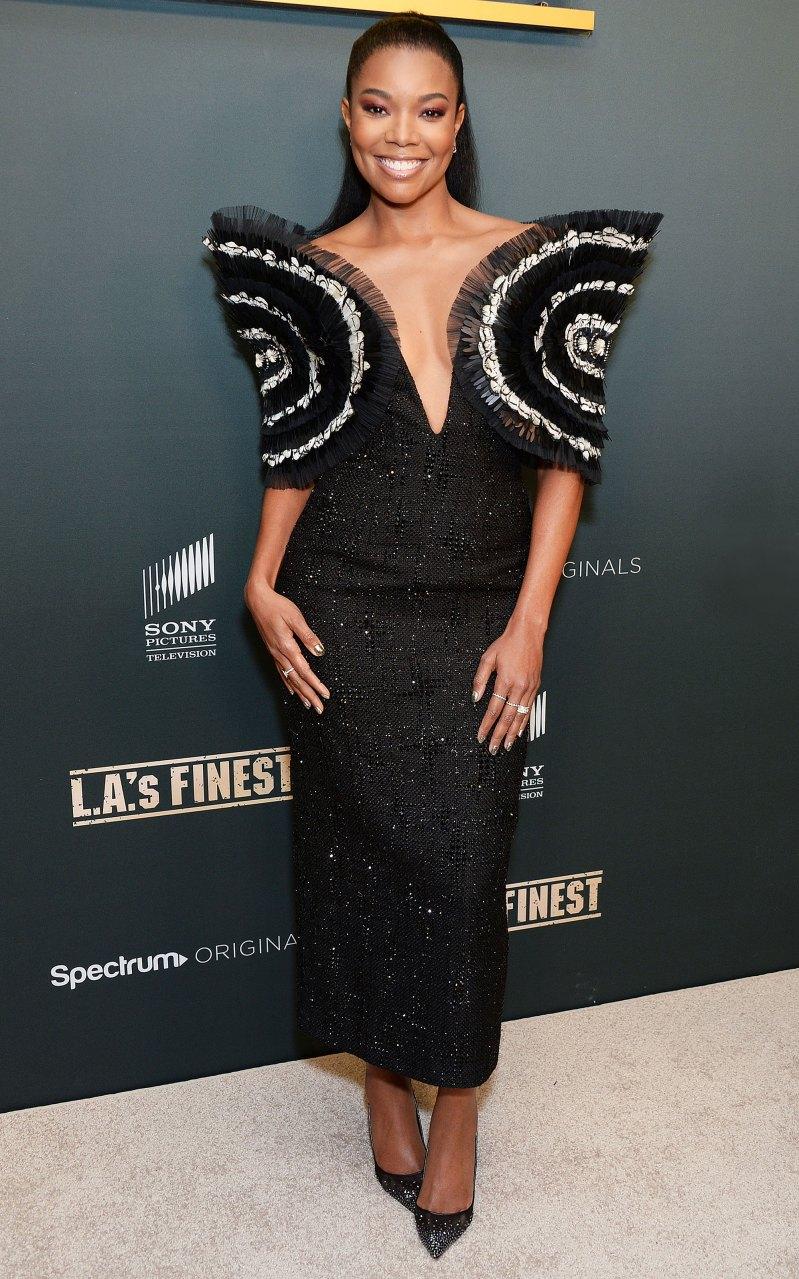 Xuất hiện tại sự kiện thảm đỏ ở buổi ra mắt phim L.A.'s Finest, Gabrielle Union thật thu hút trong trang phục được Nguyễn Công Trí. Với thiết kế dáng váy sexy, vừa sang trọng, vừa gợi cảm, giúp tôn dáng vóc chuẩn cùng và làn da nâu khoẻ mạnh. Chất liệu của bộ váy làm từ vải tweed, phần cầu vai được đính hết khá cầu kỳ theo dạng hình học kết hợp với lông vũ tạo nên sự hài hoà giữa hai sắc đen - trắng. Phần thân được đính trên nền vải tweed bởi hành nghìn viên pha lê Swarovski. Giá bộ trang phục nàykhoong được công bố nhưng giới  thời trang  cho rằng không dưới 100 triệu.
