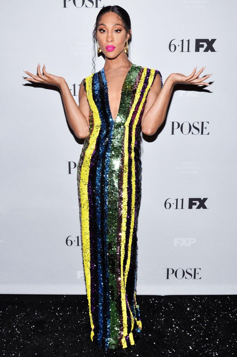 Tại buổi công bố chính thức mùa thứ 2 của series phim truyền hình ăn khách Pose của kênh FX, mỹ nhân chuyển giới da màu Mj Rodriguez nổi bật trên thảm đỏ khi diện một thiết kế đầm cổ khoét sâu của NTK Nguyễn Công Trí.