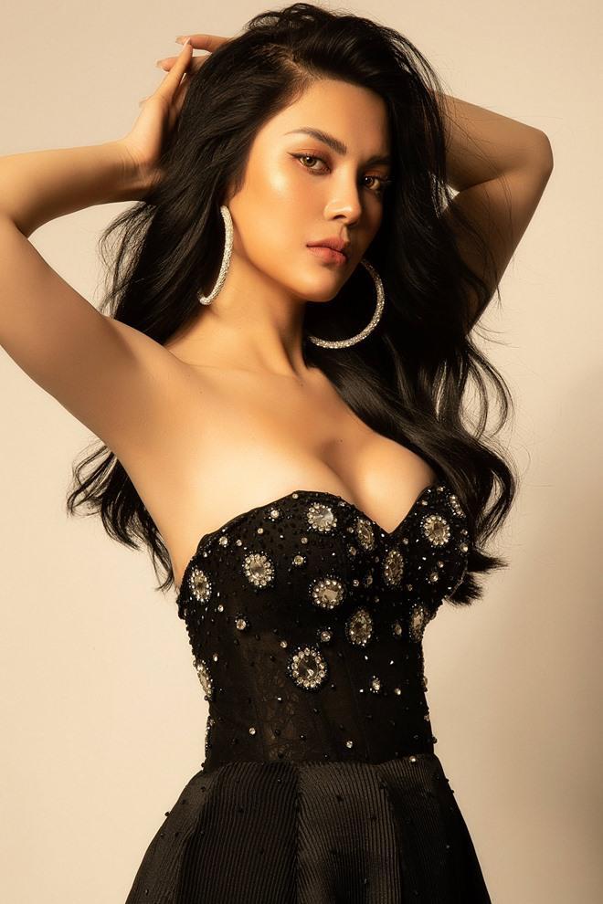 Lily Chen lần đầu chạm ngõ với diễn xuất.