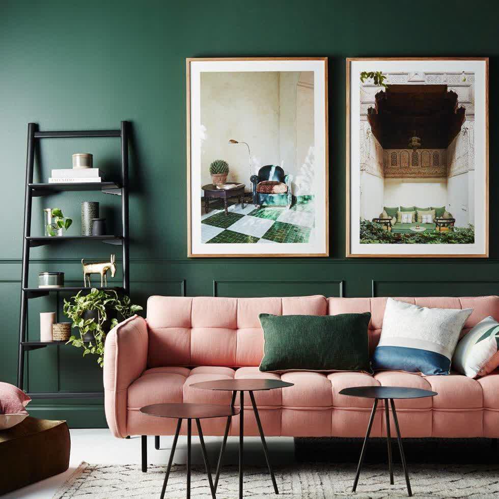 Màu cam đất là một màu xu hướng mùa thu 2019, gợi cảm giác ấm áp, an yên cho không gian phòng khách.