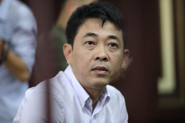Nguyễn Minh Hùng (SN 1978, nguyên Chủ tịch Hội đồng quản trị kiêm Tổng Giám đốc Công ty VN Pharma).