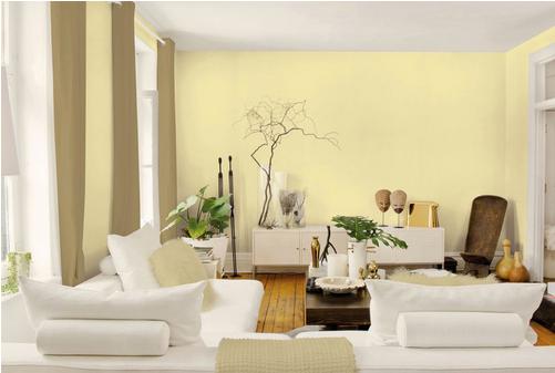 Phần tường, cửa chính nổi bật với gam màu vàng ấm. Kết hợp cùng nội thất mang màu sắc hiện đại giúp cho căn phòng thêm phần cá tính.