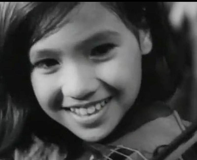 NSND Lan Hương từ nhỏ đã gây chú ý với nhan sắc bầu bĩnh, đáng yêu.