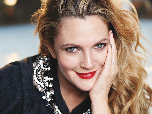 Vượt lên quá khứ đen tối Drew trở thành nữ minh tinh hàng đầu Hollywood.