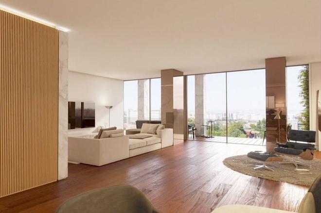Phòng ngủ chính rộng rãi với đồ nội thấtđược bài trí tinh tế. Khung cửa sổ rộng lớn cung cấp cho ngôi sao bóng đá này những phút giây thư thái khi ngắm nhìn cảnh sắc thành phố Lisbon.