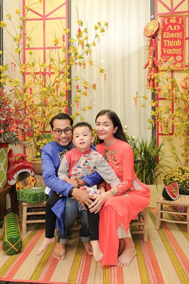Gia đình bộ đôi diễn viên Huỳnh Đông - Ái Châu.