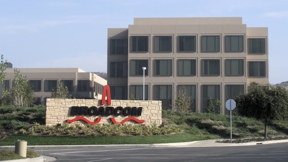 Apple và Broadcom ký hợp đồng trị giá 15 tỷ USD