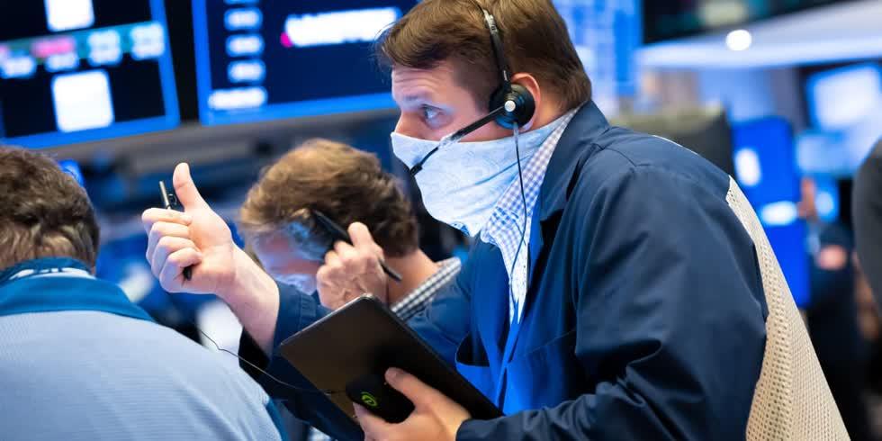 Cổ phiếu đóng cửa ở mức cao kỷ lục khi kết tuần giao dịch đầu tiên của năm 2021. Ảnh minh họa