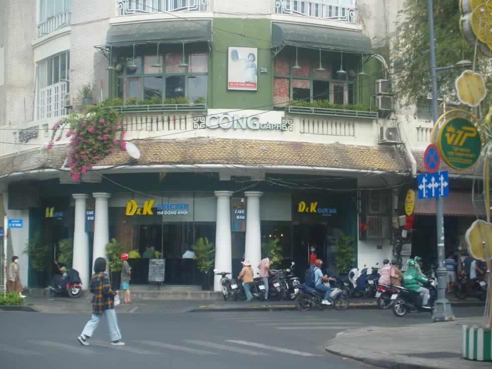 Nhiều nhà hàng, quán ăn, quán cafe... ở TP.HCM lâm vào cảnh ế khách vì dịch bệnh virus  corona .(Ảnh: Tri Thức)