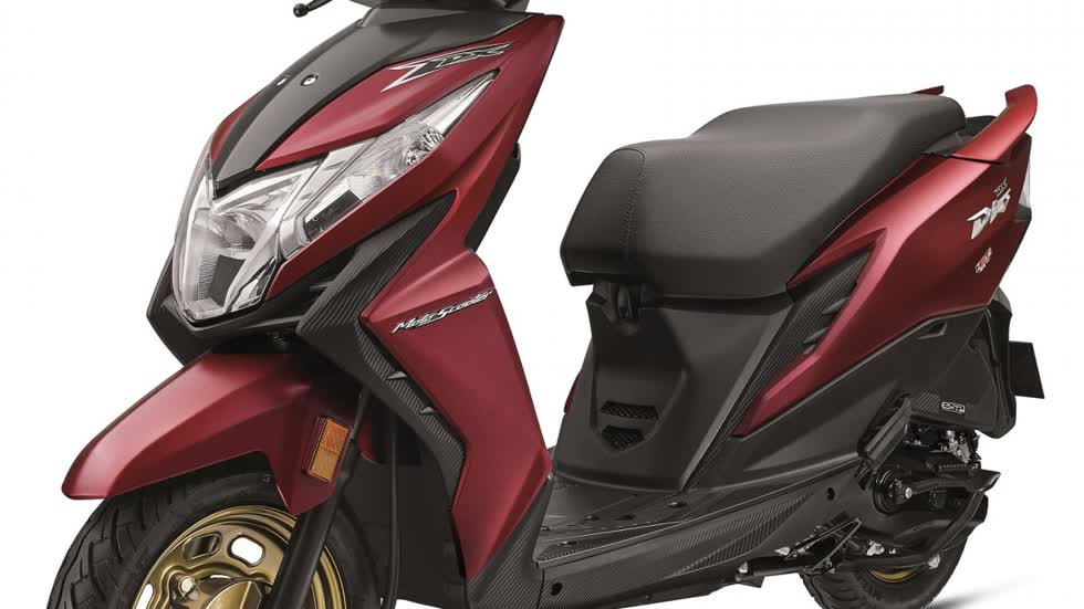 Những đường nét thiết kếtrẻ trung, đầy góc cạnh trên Honda Dio 2020 khiến ít ai nghĩ rằng đây là một dòng xe tay ga.