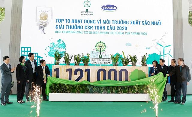 Vinamilk và Quỹ 1 triệu cây xanh chính thức hoàn thành mục tiêu với 1.121.000 cây xanh được trồng trong 9 năm qua.