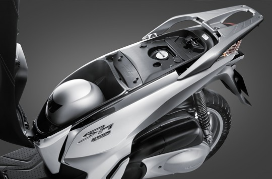 Giá xe máy Honda SH300i tháng 3/2020: Giá tốt tại các đại lý