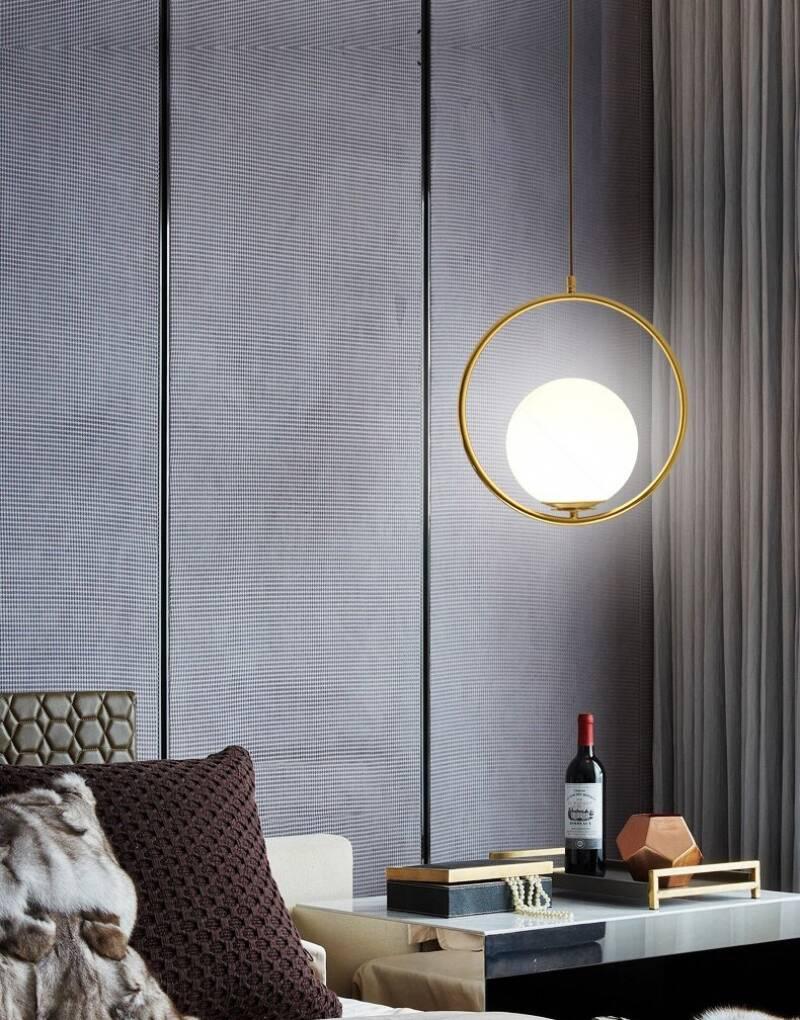 Việc bố trí những hệ thống đèn hợp lý, vừa đảm bảo ánh sáng cần thiết vừa mang tính thẩm mỹ cho căn phòng.