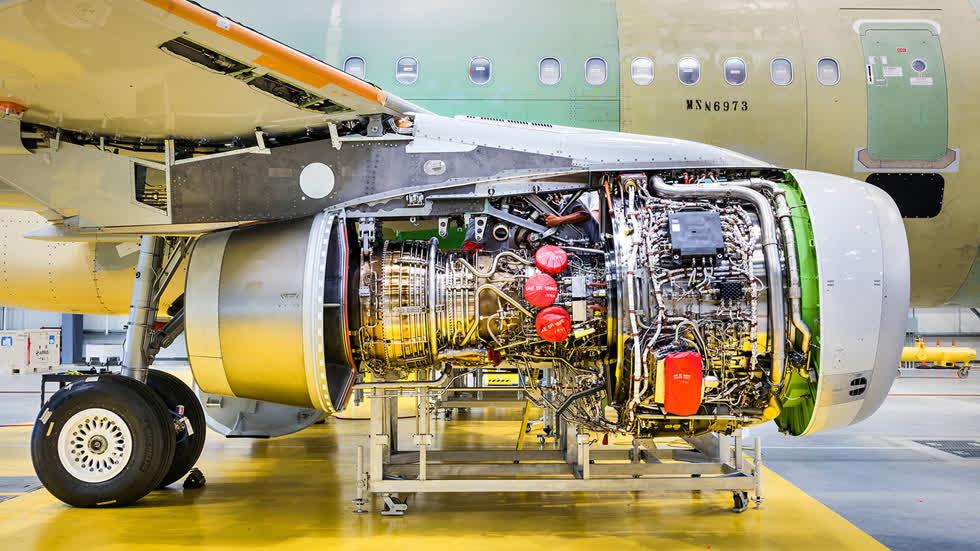 Một trong hai động cơ chính của chiếc  Airbus 321CEO .Ảnh: New York Times.