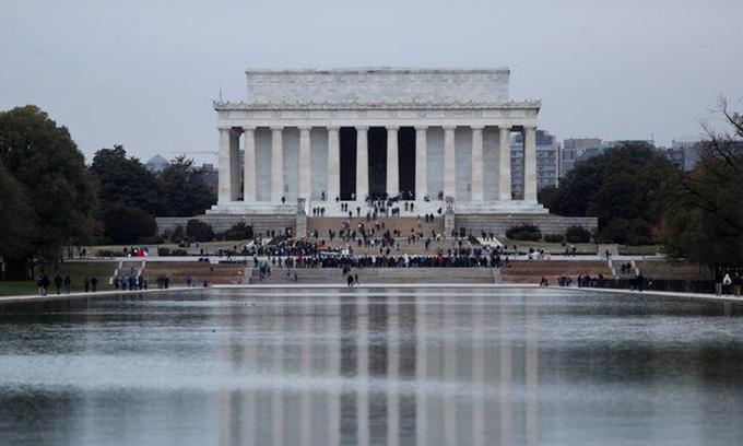 Đài tưởng niệm Lincoln ở thủ đô Washington, Mỹ. Ảnh:Reuters.