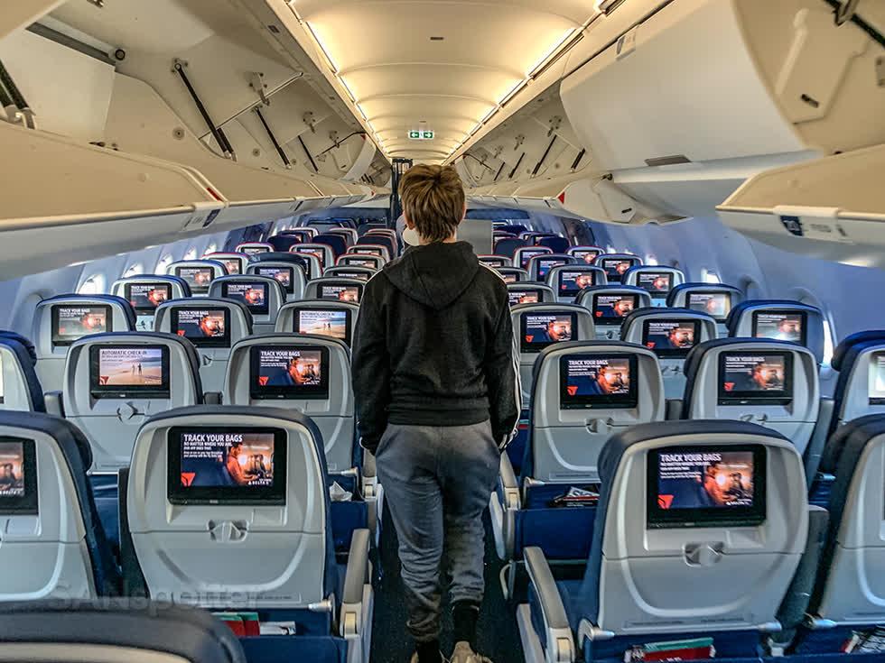 Airbus A321CEO của Viettravel cósức chứa lên đến 220 ghế,sở hữu lối đi rộng giúp việc di chuyển lên tàu bay và trong cabin dễ dàng hơn.Tàu bay trang bị hệ thống giải trí không dây và Internet qua sóng vệ tinh, nhằm mang lại những trải nghiệm khác biệt trong suốt hành trình. Ảnh:DeltaAirlines.