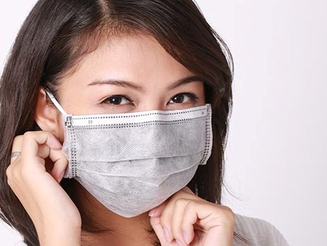 Người tiêu dùng có thể khử khuẩn khẩu trang y tế bằng lò vi sóng để tái sử dụng.