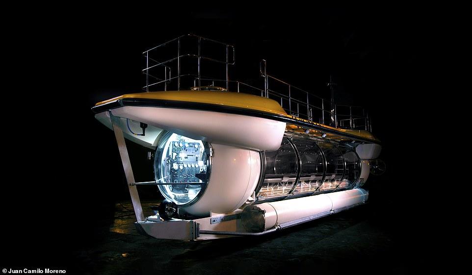 Tàu ngầm Triton Deepview24 có thể đưa 24 hành khách lặn tới độ sâu lên tới 100m và mang tới tầm nhìn tuyệt đẹp nhờ cửa sổ