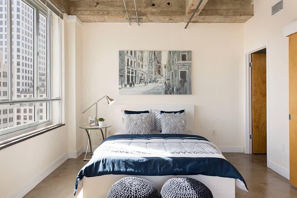 Phòng ngủ hướng đến sự hiện đại hơn là hướng tới thiết kế công nghiệp.