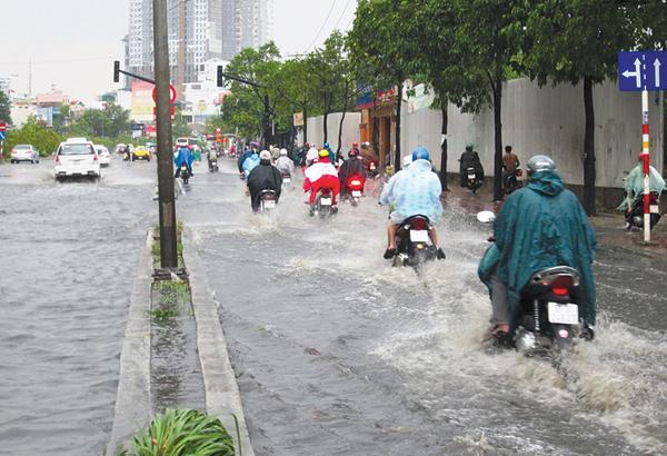 Đường Nguyễn Hữu Cảnh ngập nước thưởng xuyên tại Sài Gòn.Ảnh: Báo Giao Thông