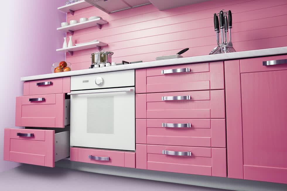 Sử dụng màu hồng để làm nổi bật nhà bếp của bạn trong mùa hè này với một sự độc đáo!