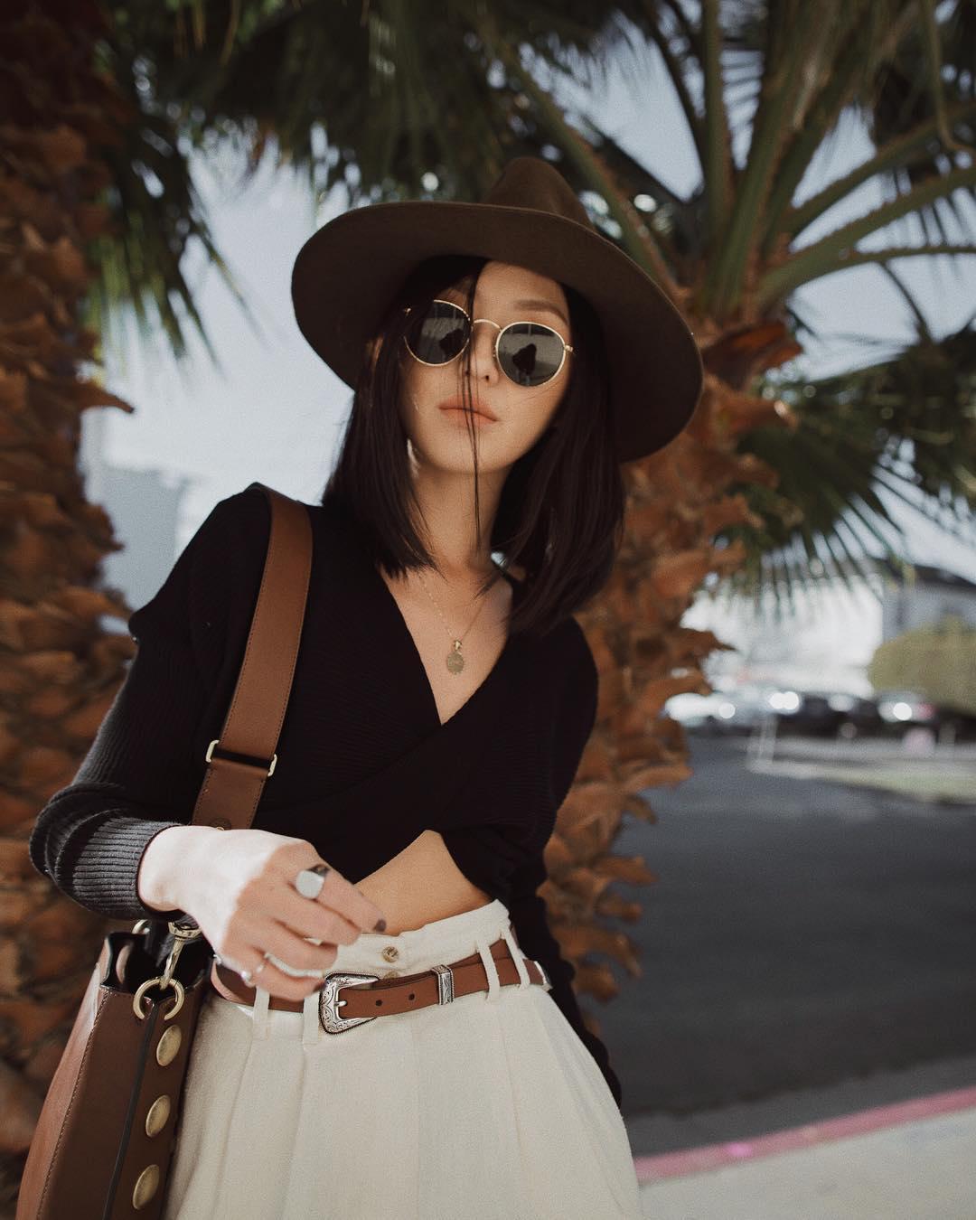 Áo lót nữ mùa Hè mặc cùng áo crop-top cổ chữ V