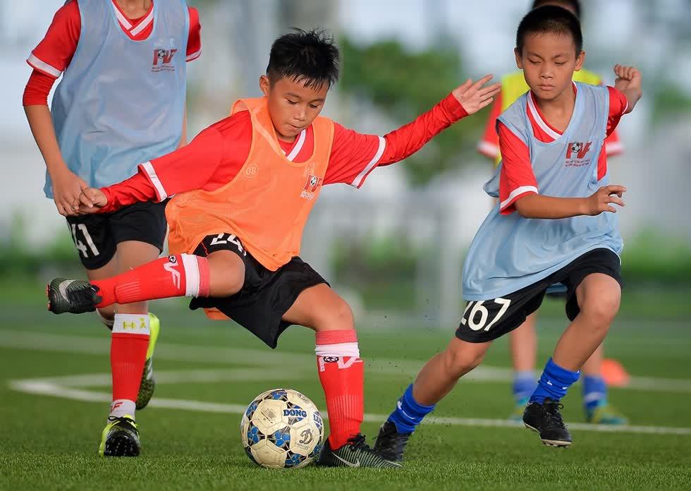 Trở thành học viên PVF là mơ ước của nhiều cầu thủ. Nhưng đâychỉ là bước khởi đầu. Mỗi cầu thủ trẻ phải không ngừng nỗ lực phấnđấu, rèn luyện.