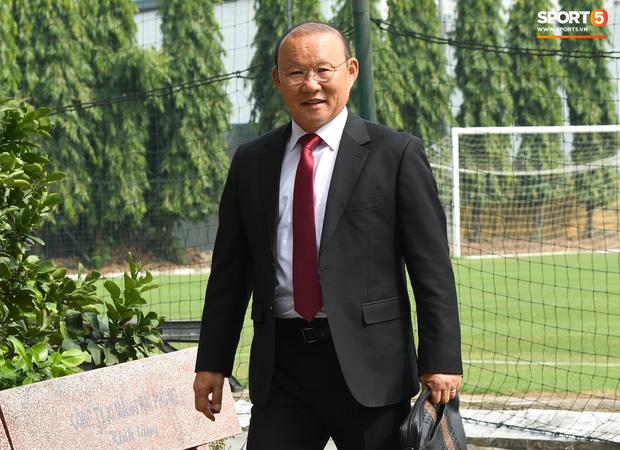 HLV Park Hang-seo sẽ bay vào Sài Gòn sáng 16/11 để dự cưới Công Phượng.Ảnh: Internet
