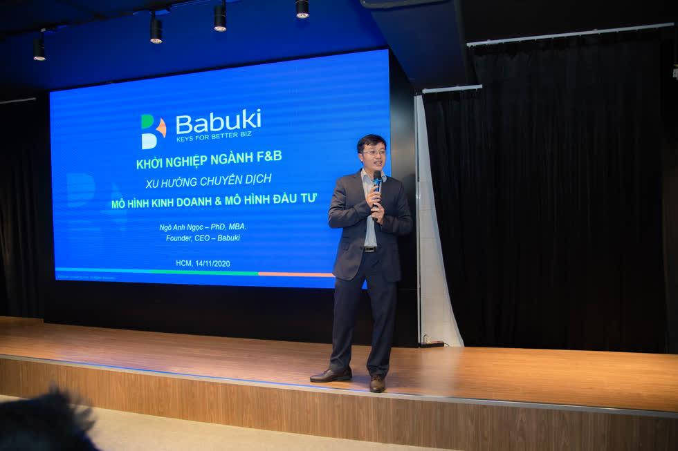 Ông Ngô Anh Ngọc - CEO Babuki chia sẻ về Xu hướng ngành F&B trong buổi hội thảo. Ảnh: Hải Đăng.