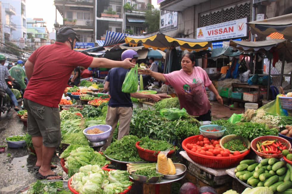 Thị trường tuần qua: Trái cây rớt giá mạnh